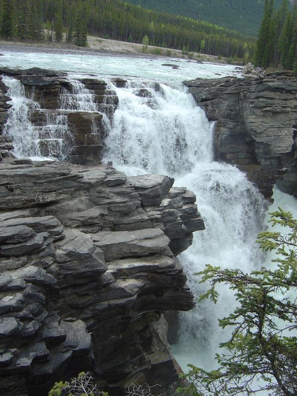 加拿大--落磯山脈 - 瀑布