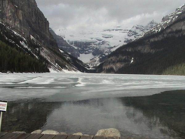 加拿大--落磯山脈 路易絲湖