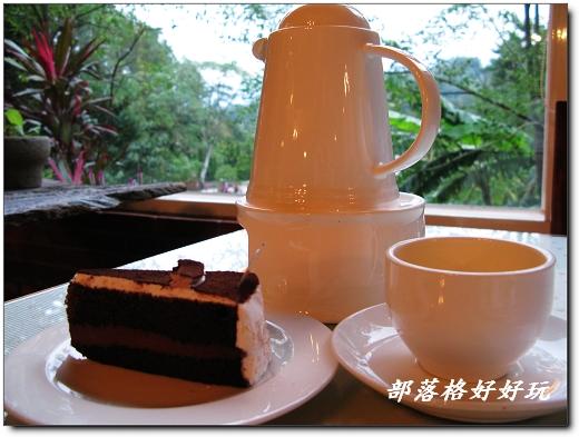 森呼吸提供咖啡、簡餐、下午茶,光鬆餅就有好多口味,是如晞的最愛