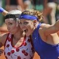 2017 法網女雙冠軍 圖左美國Bethanie Mattek-Sands 及 捷克Lucie Safarova   .jpg