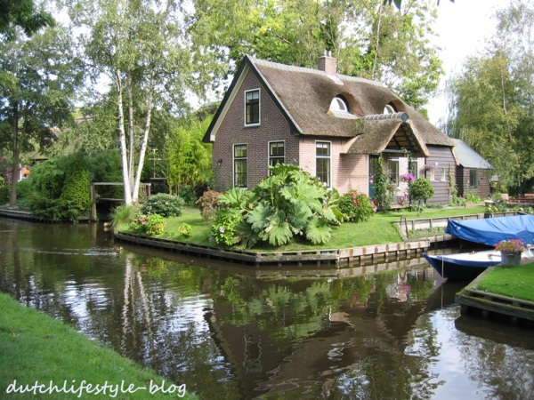 Giethoorn羊角村~童話故事裡真實版的水上人家
