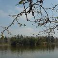 美麗的湖加上美麗的人=讓人有美麗的心情