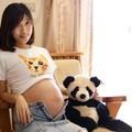 孕婦33週,因為沒有拍孕婦寫真的預算,請弟弟用單眼拍的零成本寫真~哈哈。