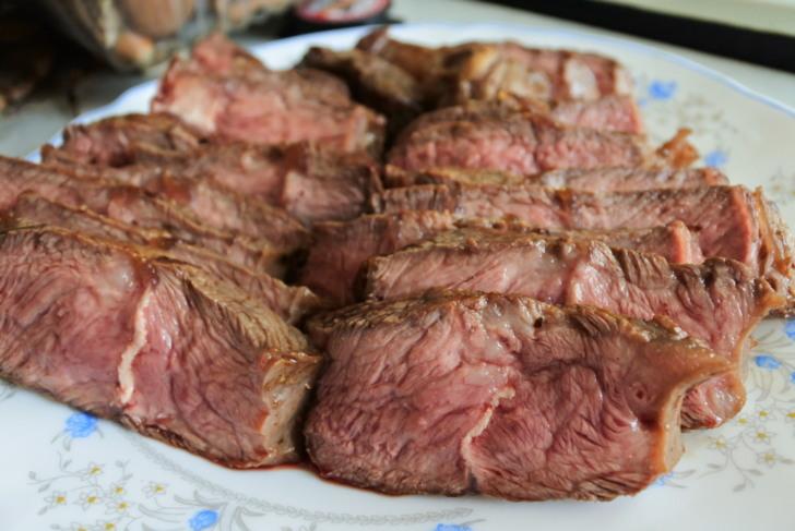 美食.料理愛體驗~大口吃牛排才過癮 香煎牛排.好市多美國嫩肩里肌牛排