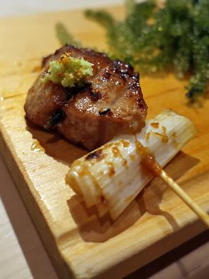 黑鲔鱼葱串