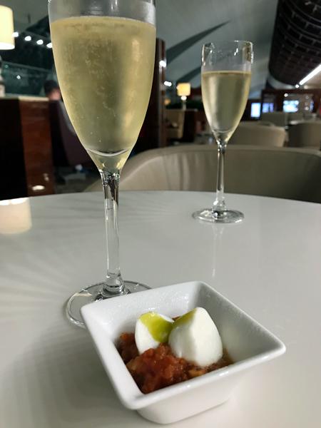 香槟加小菜