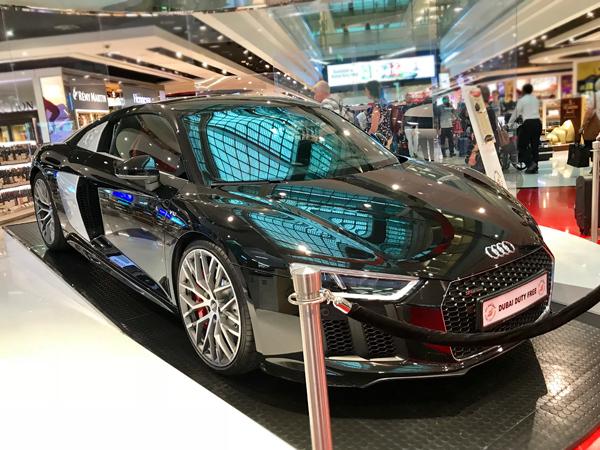 机场购物可抽Audi R8超跑