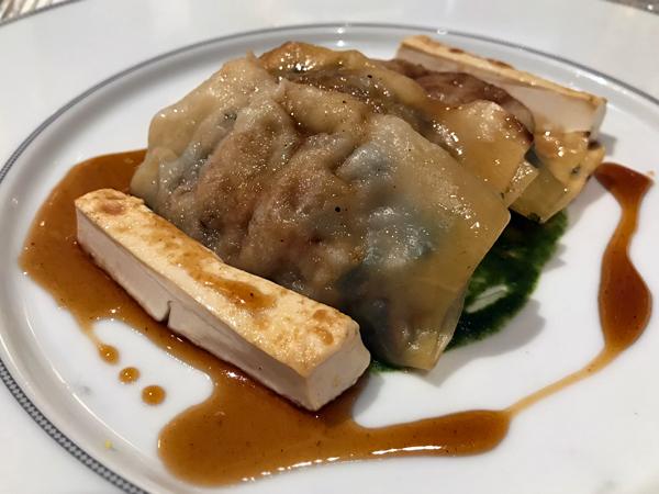 素馄饨与烤豆腐