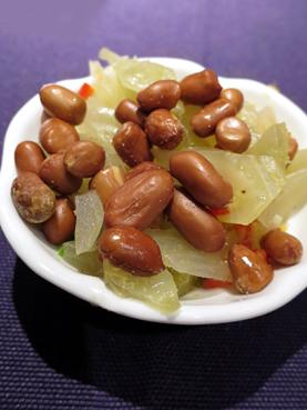 酸菜與花生