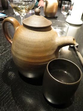 小川甚八設計的茶壺