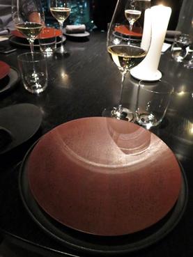 丹麥、日本設計師們合作的餐具系列不錯