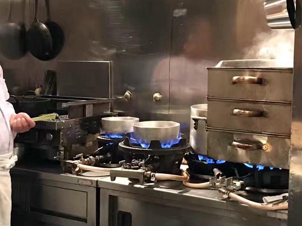 完全開放式廚房