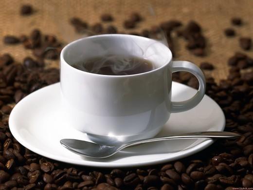 【咖啡的情詩】嚐一口澀苦中香醇的滋味