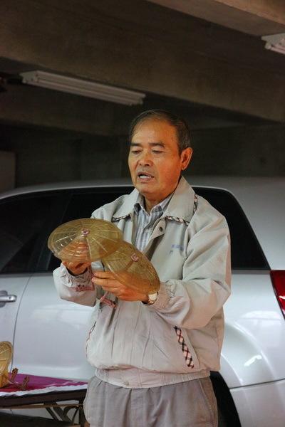 老闆林新會先生的祖先於兩百多年前來到此地,而開始種植椪柑。