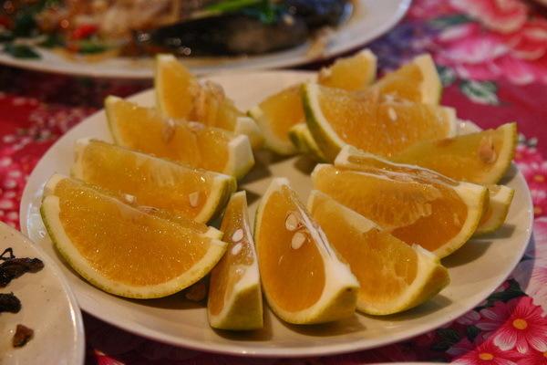 餐後附上的水果。