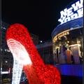 展期:2017/11/17-12/25 時間:18:00-21:00 地點:2F夢廣場  以愛傳遞耶誕節快樂氣氛,營造紐約華麗璀璨的動人溫度!