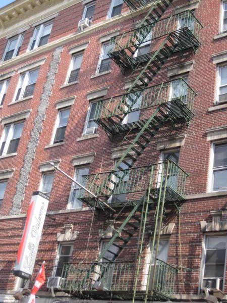 「逃生梯」的圖片搜尋結果
