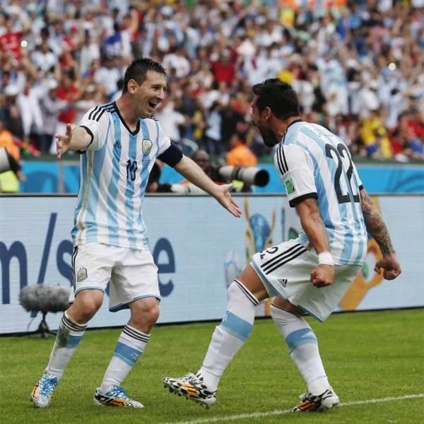 梅西總是第一個跑去和進球的隊友一起慶賀