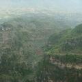 雲南通往貴州的公路上單月北盤江峽谷,當地人稱花江峽谷