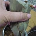 素粽的材料及包製過程。