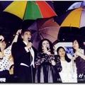 如晞民生報活動組記者時期 1993年5月31為多明哥演唱會中正紀念堂戶外獻唱撐傘