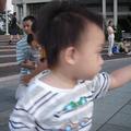 小總裁當時1歲2個月,走路有比較穩了,但是臉龐看起來還很稚嫩