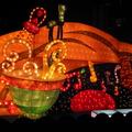 中華民國建國百年,可喜可賀,百年的元宵節, 玉兔花燈呈祥獻瑞,遊嬉其中,既欣慰又歡喜。