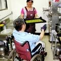 我認識幾年的一對殘障夫妻:呂松飛師兄和呂春香師姐他們一家人在困頓生活中奮鬥不懈的寫照
