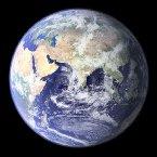 只有人類團結一致,集中所有的科技、資源和經濟 力量才有可能針對環境污染找出對策,才有可能避 開地球本身的自然災害和天外橫禍,而能爭取到更 多生存在這浩瀚宇宙的空間和時間。