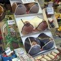 比利時的巧克力世界有名,在布魯日,到處都是巧克力店,各式口味應有盡有.
