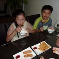 Mickey & Eric 也吃得津津有味 !  庭緣炸雞塊及薯餅, 好吃又香脆新鮮 !
