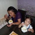 媽媽 & Judy 正在喝濃湯 ! 您瞧他們多開心 !   庭緣義式坊粉絲頁 : http://zh-tw.facebook.com/pages/Taipei-Taiwan/ting-yuan-yi-shi-fang/150323334991178  庭緣的無名小站 http://www.wretch.cc/blog/tingyuanguan