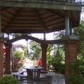 梅子懷舊公園內的涼亭,頗具特色,可留意柱子上的俗諺。