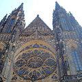 城堡區是布拉格的發源地,也是總統府所在地;在這裡可以造訪早期的建築與文化,既有雄偉華麗的聖維特大教堂,還可以鳥瞰布拉格市區。