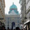 霍夫堡是維也納紀念碑性的建築,是在奧匈帝國分裂之前一直統治這個國家的哈布斯堡王朝的古老宮殿。