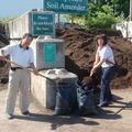 為改良土質,需花錢出力買土運土.不是十數袋而是數十袋,要分很多批.