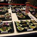 昨至台北縣政府洽公,在一樓大廳發現以石頭為食材的滿漢全席,有些石頭做得好逼真,讓飢腸轆轆的我們,真想拿起碗筷大快朵頤一番。 與格友們分享!