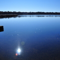 如果有空,請來此歇息,這兒有美麗的山川湖泊,心靈也為之止息,譲這一抺藍填滿你的世界。