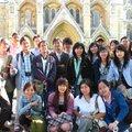 2007年的8月,鐵母雞取得國際領隊執照後的第一團,哇,20個人,倫敦愛丁堡遊學團,歡樂無限!當「第一」的人,有一種特殊待遇,照片就會被鐵母雞裱起來!