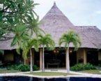 拍自峇里島The Villas,這是我們大伙兒住的別墅,感覺很不賴哦.
