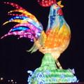 2017 南投雞年燈會「吉鳴春曉」,邀請大陸杭州、香港及日本等友好城市共同參,非常亮眼。