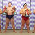 109.8.2 三賞力士 左起 御嶽海、照ノ富士、大栄翔 正代  .jpg