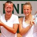 2018 法網女雙冠軍 左 Krejcikova 及 Siniakova  .jpg