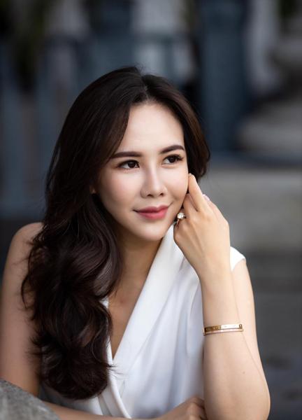以<大學生了沒>踏入演藝圈,李倩儀自行創業個人珠寶品牌