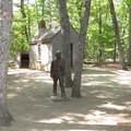 現在看得到的小屋是仿當時的小屋建的