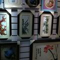 書城上層小手工店展出的工藝品