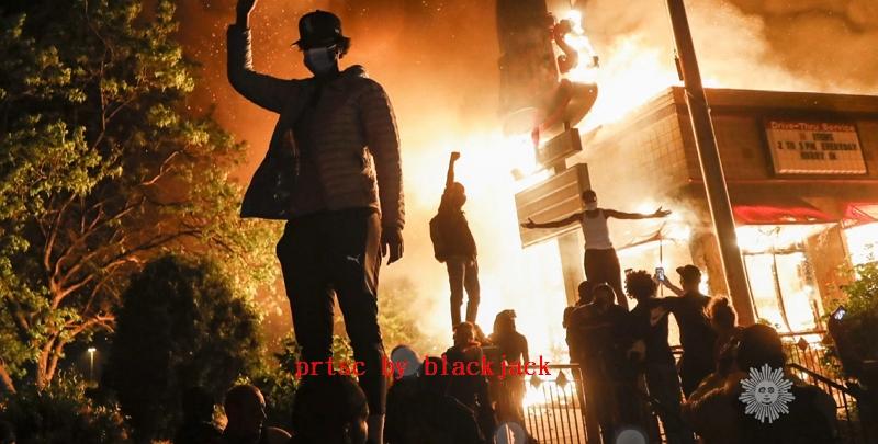 美警屠殺黑人引發暴動