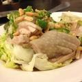 老蔣的東北酸菜白肉鍋,在新店一帶小有名氣,吃吃看嘍!