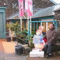 在彼得兔的故鄉和彼得兔合照