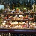 墨爾本 Block Arcade 裡的英式茶館 Hopetoun Tea Rooms 的櫥窗甜點